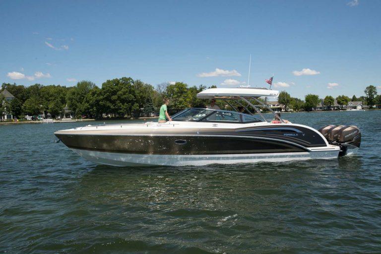 kamaralı lüks tekne Formula 350 CBR