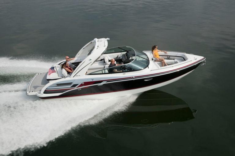 Luxury bowrider boat FORMULA 290 BR