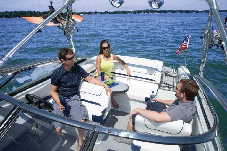 Luxury Ski Boat FORMULA 240 BR