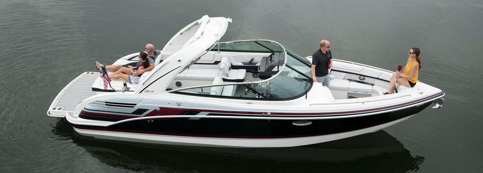 American luxury bowrider boat Formula BR 290
